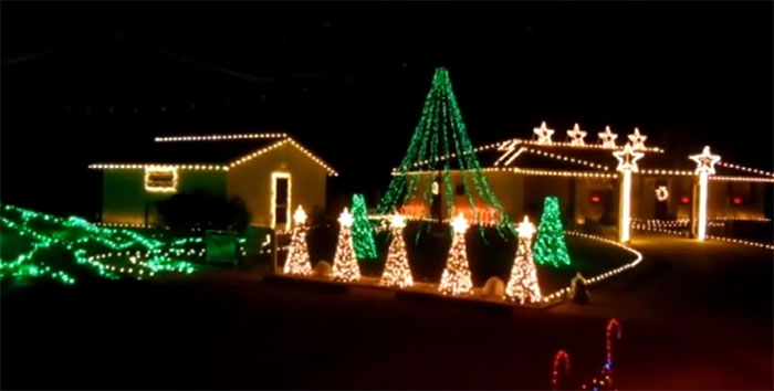 - Darude Sandstorm Christmas Lights Show €� Christmas Light Show